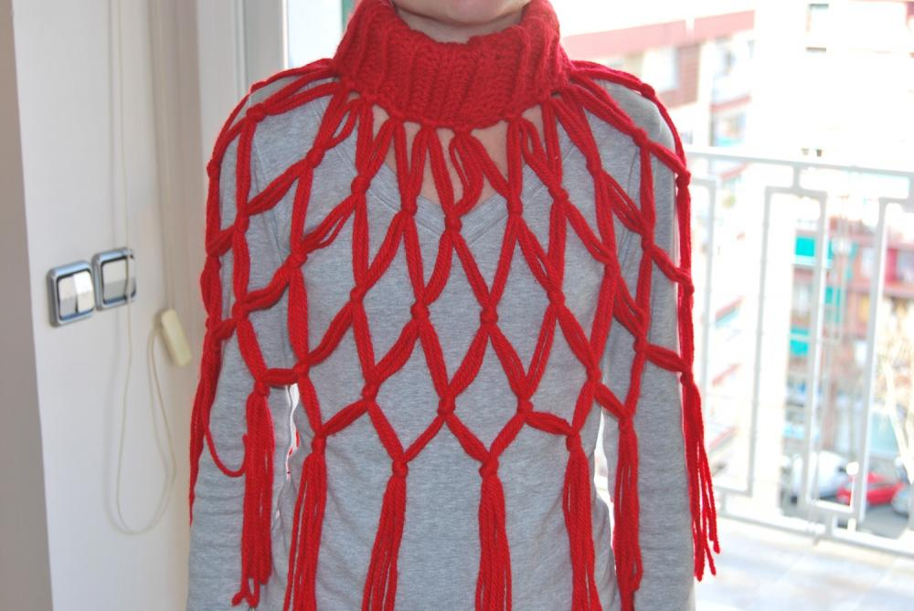 Scarf Red knit neckwarmer - Very soft for winter- something different to be warm. by El rincón de la Pulga
