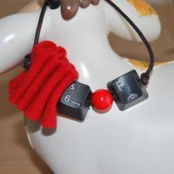 Keyboard key red bracelet- Go geeky- Trendy-OOAK-Recycle to upcycle by El rincón de la Pulga
