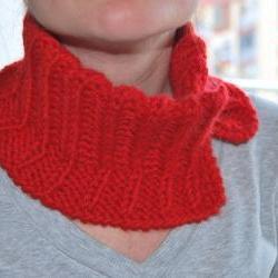 Neckwarmer scarf red knit Very soft for winter To use under your coat. by El rincón de la Pulga