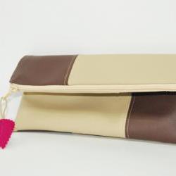 Wristlet clutch purse beig-brown with pink leaf by El rincón de la Pulga